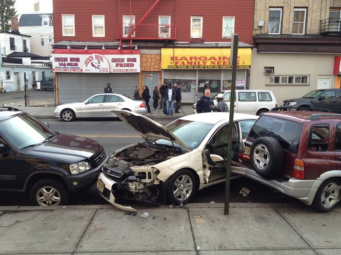 Multiple car crash on Linden and Ocean avenues in New Jersey City